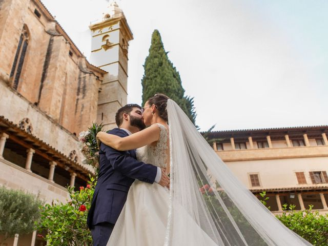 La boda de Alberto y Virginia en Puigpunyent, Islas Baleares 25
