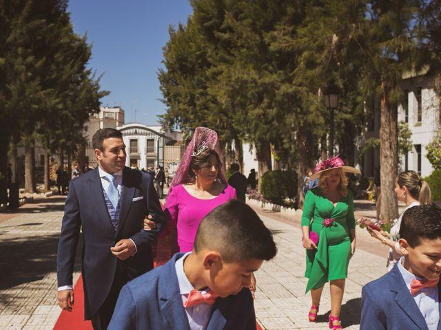 La boda de Jon y María Fernanda en Villafranca De Los Barros, Badajoz 26