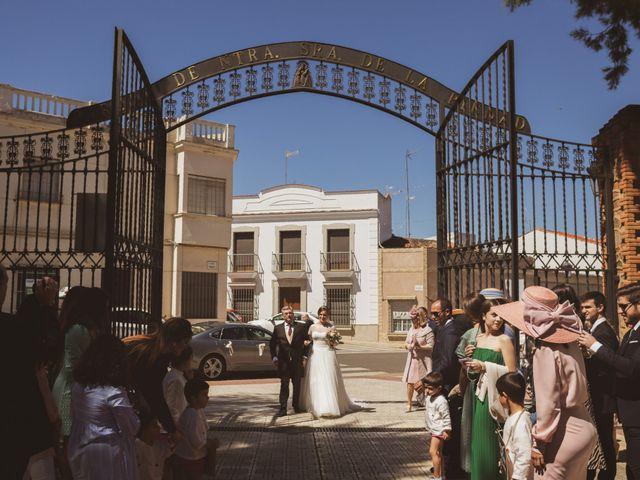 La boda de Jon y María Fernanda en Villafranca De Los Barros, Badajoz 28
