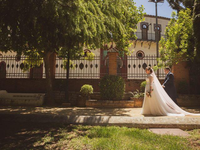 La boda de Jon y María Fernanda en Villafranca De Los Barros, Badajoz 54