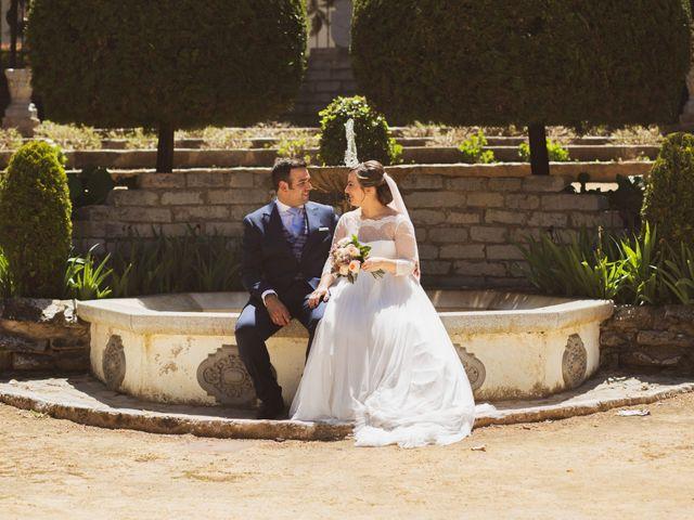 La boda de Jon y María Fernanda en Villafranca De Los Barros, Badajoz 56
