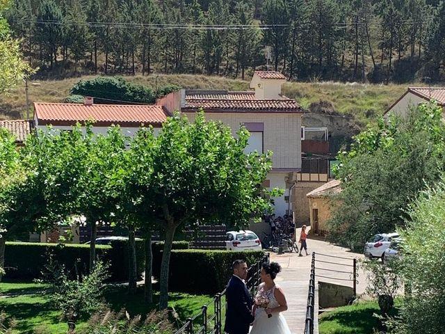 La boda de Israel y Nora en Casalarreina, La Rioja 6