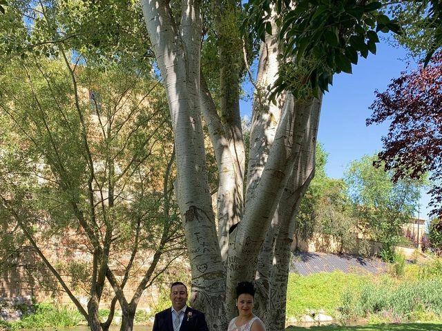 La boda de Israel y Nora en Casalarreina, La Rioja 12