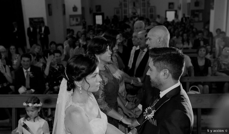 La boda de Valen y Gemma en La Roda, Albacete