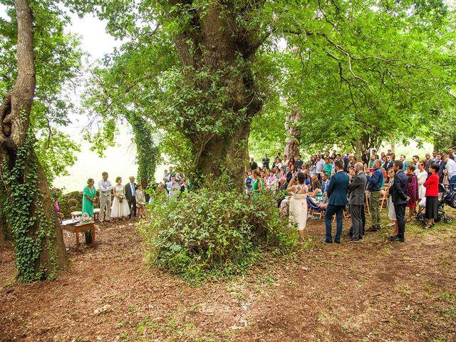 La boda de Juan y Marina en Touro (San Xoan), A Coruña 17