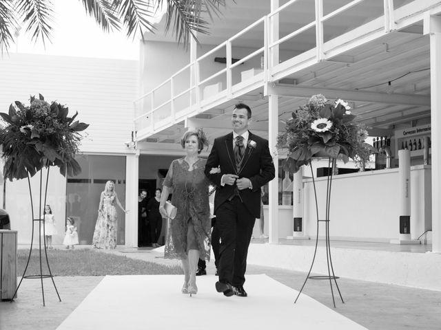 La boda de Javier y Chari en Alacant/alicante, Alicante 14