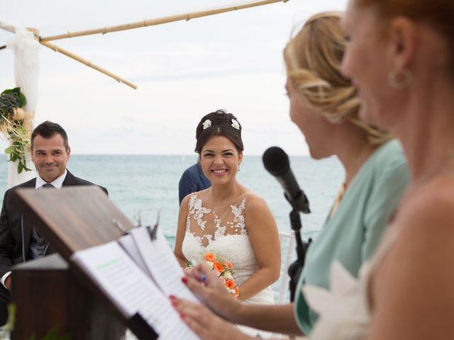 La boda de Javier y Chari en Alacant/alicante, Alicante 17