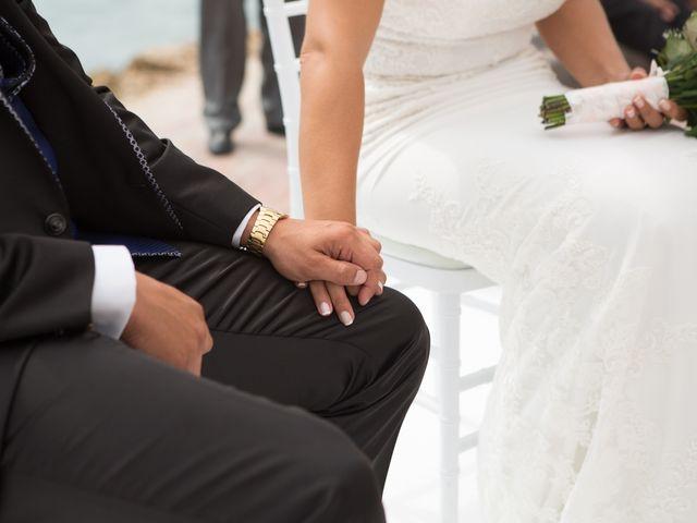 La boda de Javier y Chari en Alacant/alicante, Alicante 20