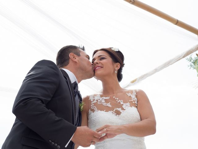 La boda de Javier y Chari en Alacant/alicante, Alicante 22