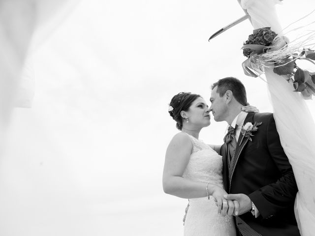 La boda de Javier y Chari en Alacant/alicante, Alicante 23