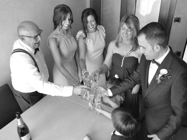 La boda de Miguel y Carol en L' Hospitalet De Llobregat, Barcelona 22
