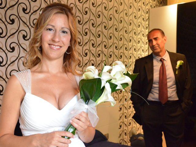 La boda de Miguel y Carol en L' Hospitalet De Llobregat, Barcelona 43