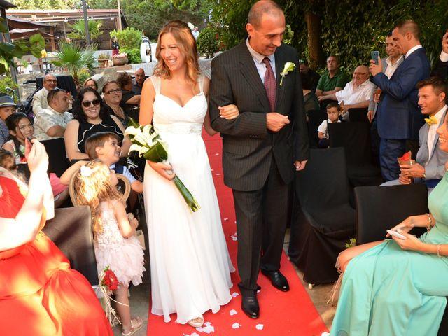 La boda de Miguel y Carol en L' Hospitalet De Llobregat, Barcelona 58