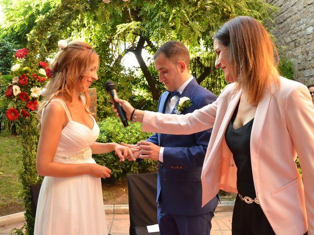 La boda de Miguel y Carol en L' Hospitalet De Llobregat, Barcelona 85