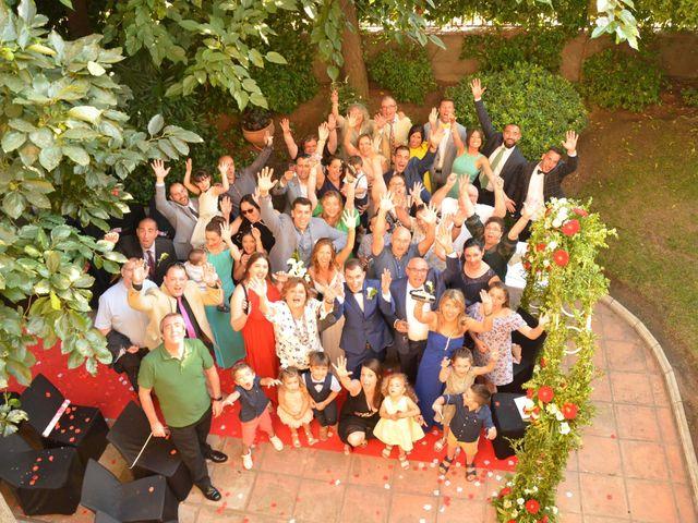 La boda de Miguel y Carol en L' Hospitalet De Llobregat, Barcelona 95