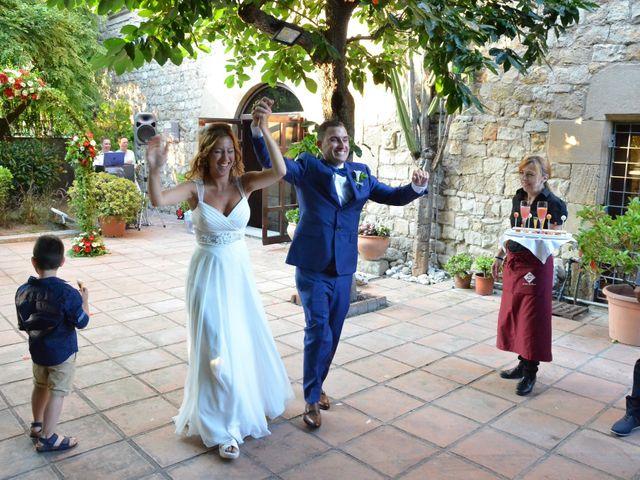 La boda de Miguel y Carol en L' Hospitalet De Llobregat, Barcelona 113