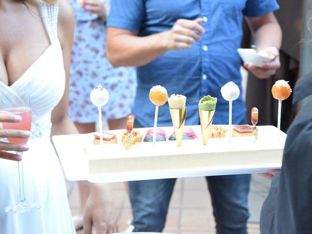 La boda de Miguel y Carol en L' Hospitalet De Llobregat, Barcelona 115