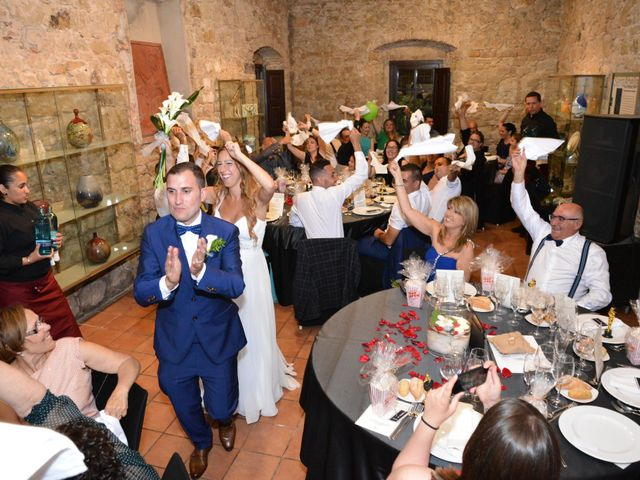 La boda de Miguel y Carol en L' Hospitalet De Llobregat, Barcelona 128
