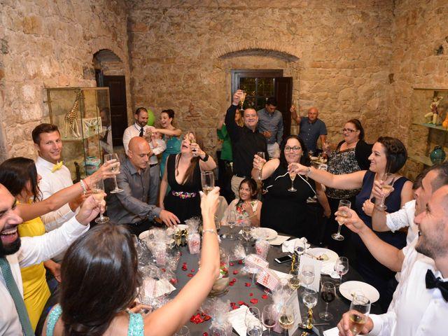 La boda de Miguel y Carol en L' Hospitalet De Llobregat, Barcelona 136