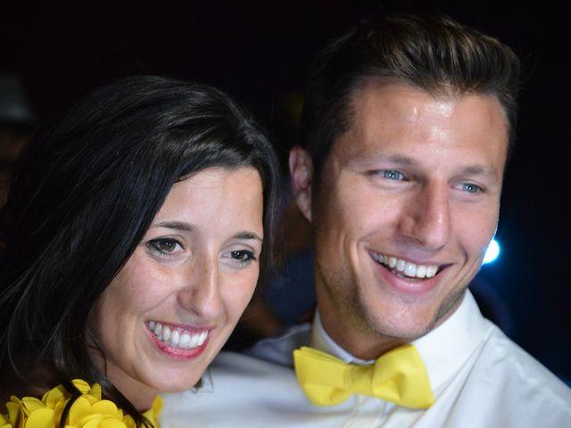 La boda de Miguel y Carol en L' Hospitalet De Llobregat, Barcelona 175