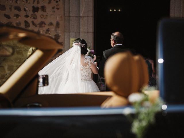 La boda de Rafa y Alba en Almodovar Del Campo, Ciudad Real 33