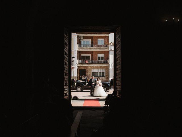 La boda de Rafa y Alba en Almodovar Del Campo, Ciudad Real 34
