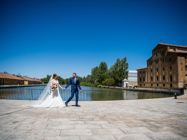 La boda de Francisco y Sofía en Medina De Rioseco, Valladolid 24