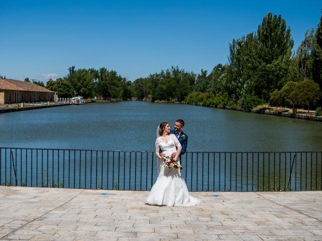 La boda de Francisco y Sofía en Medina De Rioseco, Valladolid 25