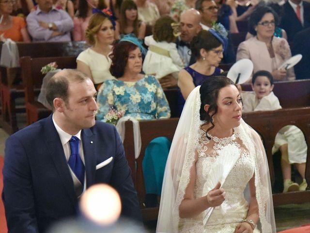 La boda de Juan y Soraya en Navalmoral De La Mata, Cáceres 13