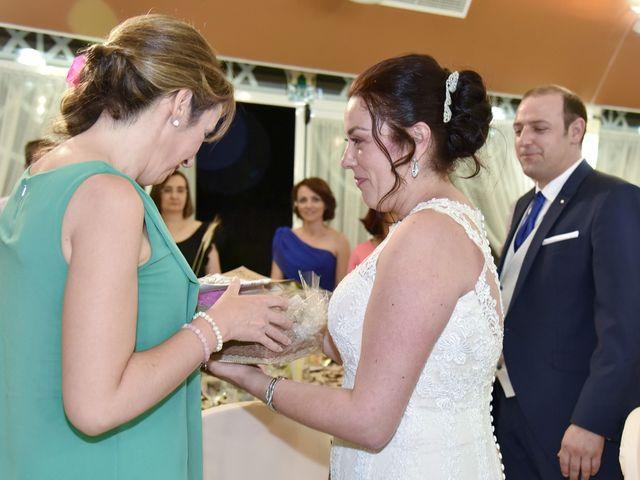 La boda de Juan y Soraya en Navalmoral De La Mata, Cáceres 24