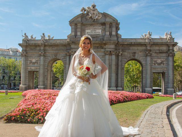 La boda de Daniel y Rosa en Madrid, Madrid 23