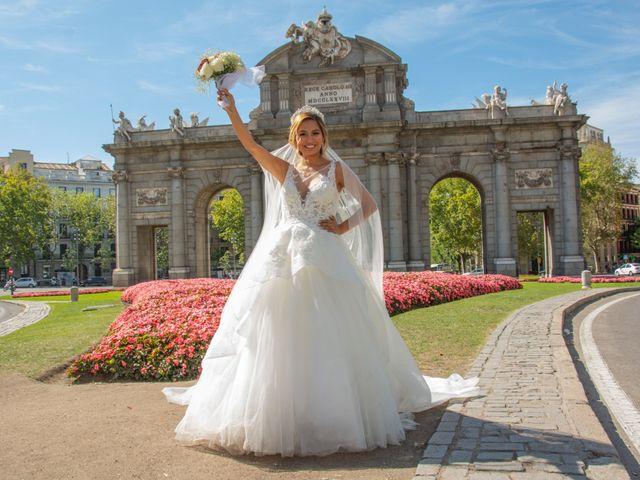 La boda de Daniel y Rosa en Madrid, Madrid 24