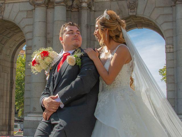 La boda de Daniel y Rosa en Madrid, Madrid 26