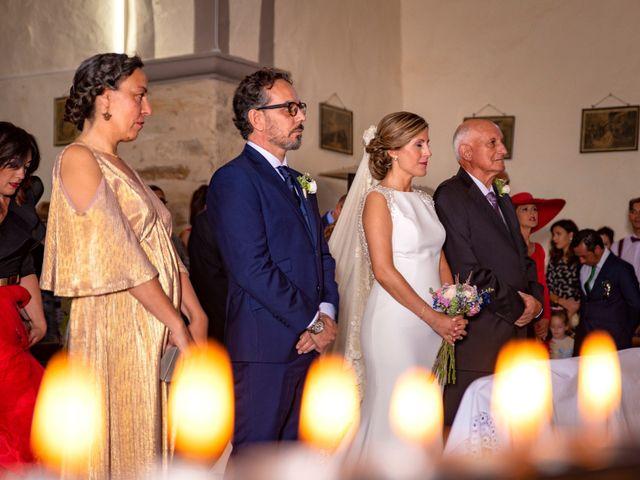 La boda de Jose y Nuria en La Bañeza, León 27