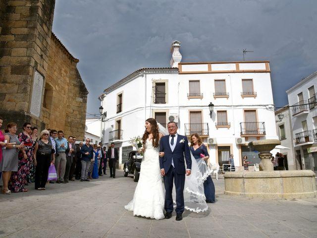 La boda de Antonio y Laura en Trujillo, Cáceres 19