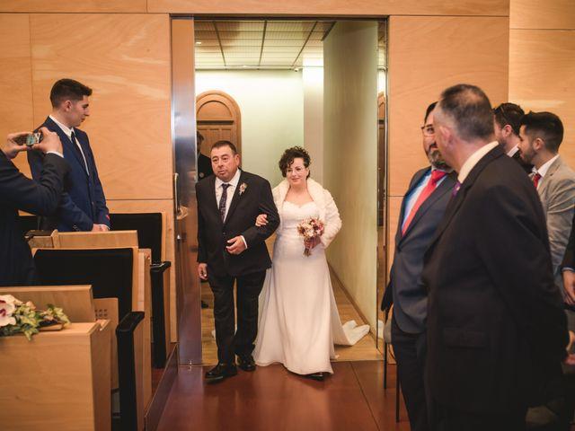 La boda de Toni y Nuria en Badalona, Barcelona 33