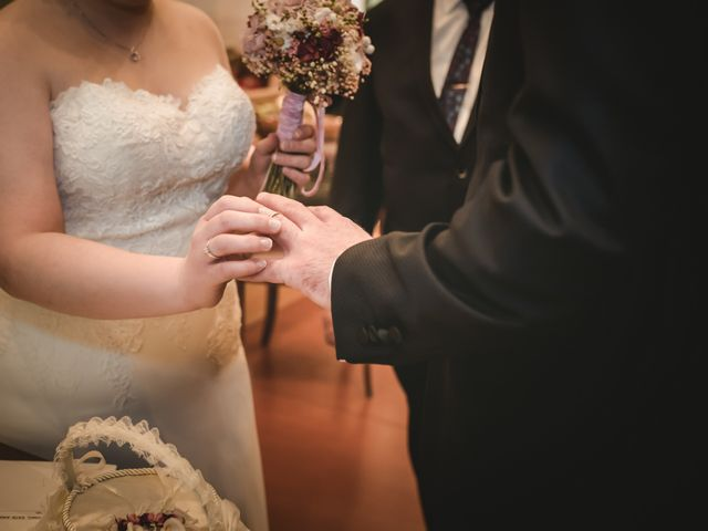 La boda de Toni y Nuria en Badalona, Barcelona 40