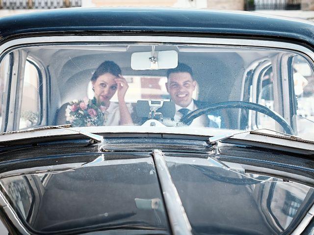 La boda de Miguel y Silvia en Outes, A Coruña 41