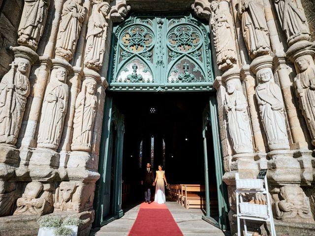 La boda de Miguel y Silvia en Outes, A Coruña 54