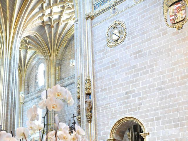 La boda de Aitor y Camino en Valdastillas, Cáceres 9