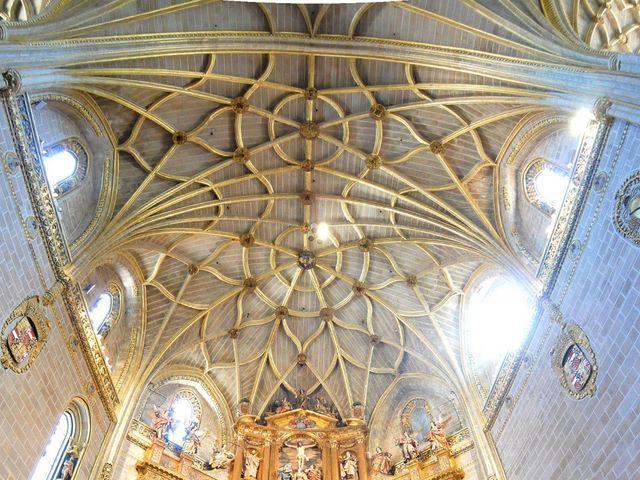 La boda de Aitor y Camino en Valdastillas, Cáceres 10