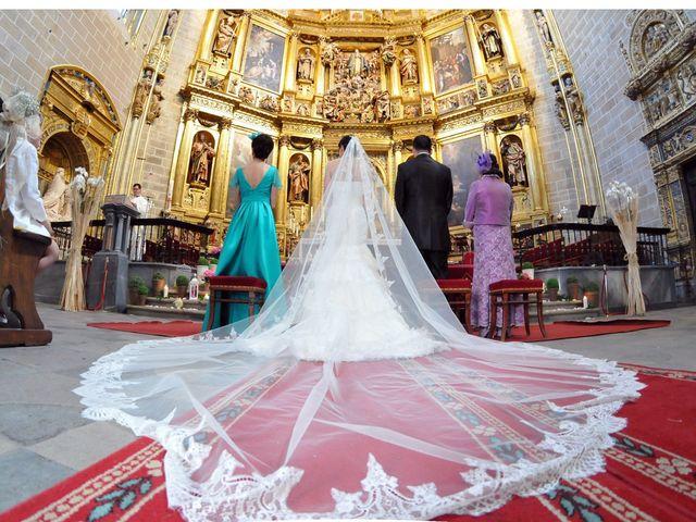 La boda de Aitor y Camino en Valdastillas, Cáceres 11