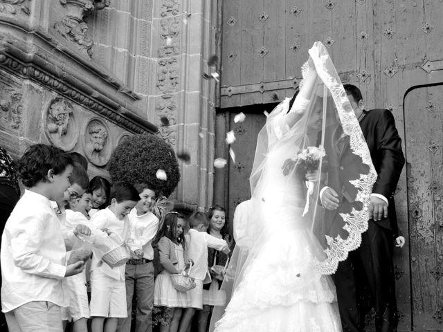 La boda de Aitor y Camino en Valdastillas, Cáceres 12