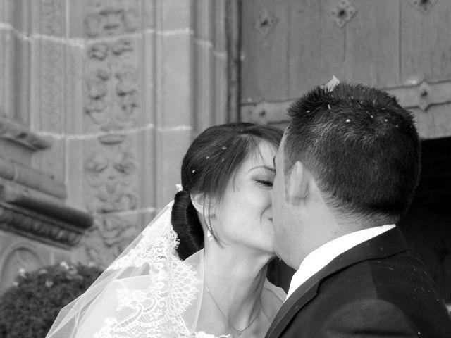 La boda de Aitor y Camino en Valdastillas, Cáceres 16