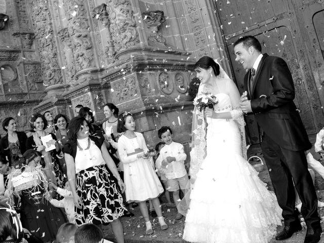 La boda de Aitor y Camino en Valdastillas, Cáceres 17
