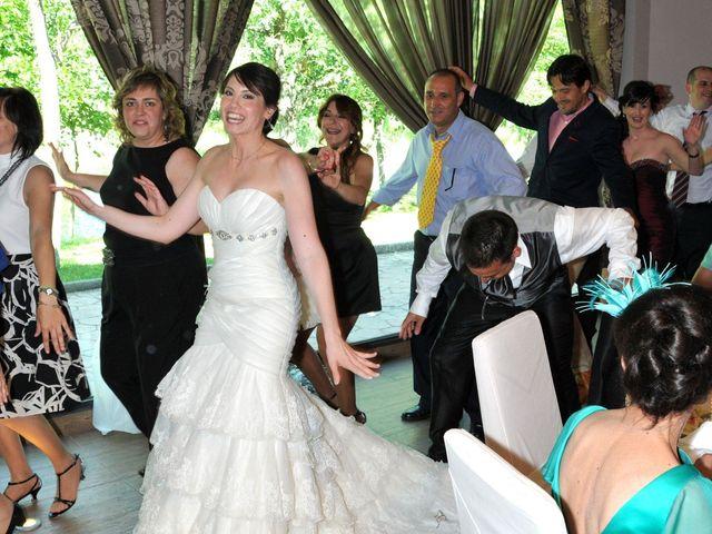 La boda de Aitor y Camino en Valdastillas, Cáceres 24