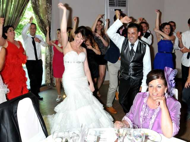 La boda de Aitor y Camino en Valdastillas, Cáceres 25