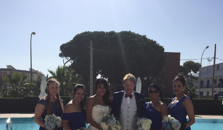 La boda de Timothy  y Karla en Castelldefels, Barcelona