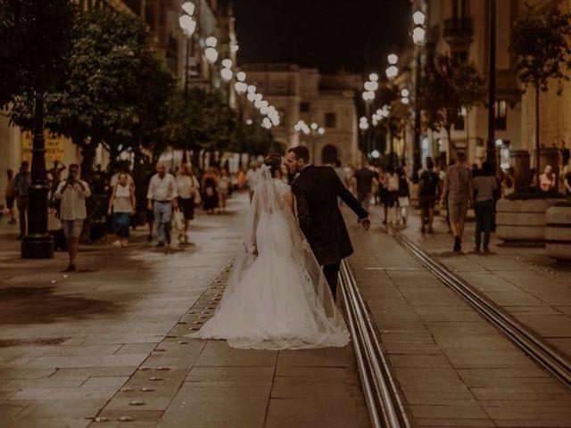 La boda de Paco y  Cristina  en Sevilla, Sevilla 3