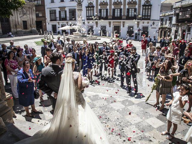 La boda de Juan Lucas y Patricia en Jerez De La Frontera, Cádiz 26